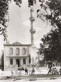 A rare collection from Photographic Archive of the Benaki Museum and Borel-Boissonnas files Old Pictures, Old Photos, Vintage Photos, Creta Greece, Crete Chania, Benaki Museum, Creative Christmas Trees, Crete Island, The Second City