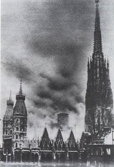 Der Dachstuhl des Stephansdomes steht in Flammen. 8. April 1945. Dark Castle, Heart Of Europe, Austro Hungarian, Church Architecture, Vienna Austria, Kirchen, Old Pictures, Medieval, Cathedral
