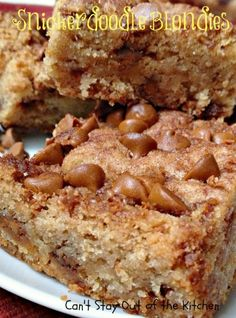 Snickerdoodle Blondies - scrumptious dessert bar filled with cinnamon  via Can't Stay Out of the Kitchen