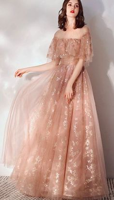 Sequins Party Maxi Dress - Source by mirasummer - Wedding Outfits Elegant Dresses, Pretty Dresses, Beautiful Dresses, Formal Dresses, Vintage Prom Dresses, Ball Dresses, Ball Gowns, Mode Inspiration, Dream Dress
