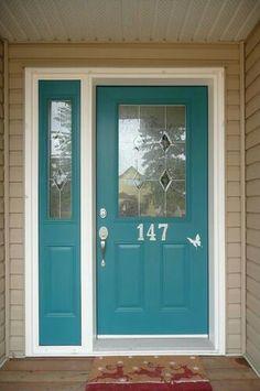 teal door and tan house Teal Front Doors, Teal Door, Turquoise Door, Front Door Paint Colors, Painted Front Doors, Paint Colors For Home, Front Door Decor, Exterior Door Colors, Exterior Doors
