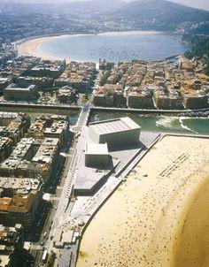 Vista aérea. Kursaal - Auditorio y Centro de Congresos, San Sebastián, España ©…