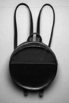 Handcrafted bags in leather and net Hat Making, Showroom, Hats, Leather, Hat, Fashion Showroom, Hipster Hat