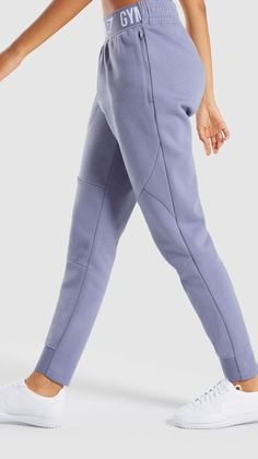Stretch to your limits with the Comfy Tracksuit Bottoms. Your workout is promised function and focus with the soft and supple fabric and spacious fit of these gym joggers. Sport Fashion, Fitness Fashion, Sporty Outfits, Cute Outfits, Mode Adidas, Hijab Fashion, Fashion Outfits, Estilo Fitness, Tracksuit Bottoms