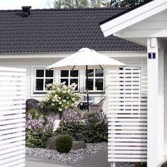 90 DIY Wonderful Tire Garden Ponds On a Budget Inspirations & 2019 Outdoor Rooms, Outdoor Gardens, Outdoor Living, Outdoor Decor, Tire Garden, Garden Pool, Scandinavian Garden, Back Patio, Outdoor Landscaping
