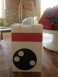 party favor bags | Bowling party favor bag | Happy Birthday!