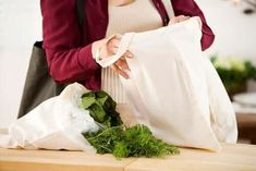 What's more effective in getting people to bring reusable bags — a tax punishm. - What's more effective in getting people to bring reusable bags — a tax punishment when they don - Plastic Grocery Bags, Reusable Grocery Bags, Muslin Bags, Fabric Bags, Canvas Tote Bags Bulk, Green News, Printed Bags, Printed Cotton, Cotton Bag