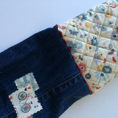 and visitors… – modafabrics Fabric Boxes Tutorial, Grey Bags, Girl Scout Activities, Sharpie Pens, Old Jeans, Basic Grey, Denim Bag, Little Bag, I Fall In Love