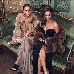 Home of Fur Fetish Fur Fashion, Winter Fashion, Fashion Outfits, Womens Fashion, Fabulous Furs, Fox Fur Coat, Fur Coats, Fur Jacket, Jennifer Lopez