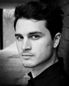 WHAT'S ALL THIS MALARKEY?!?!?!!? Why it's hottie Michael Malarkey!