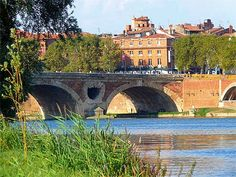 La prairie des filtres , one of the best place to have a picnic in Toulouse - France ❤ ℒℴvℯly