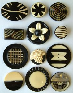 12 Vintage Art Deco Black & Ivory Coloured Celluloid Buttons: