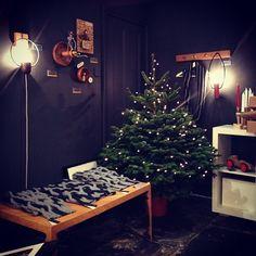 cari + carl scarves and shawls on display at Snug Gallery, December 2013.  (Photo: Snug) www.cariandcarl.com www.snug-gallery.com