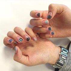 シンプルなのに可愛い♡海外のインスタグラマーから学ぶ丸フレンチ in 2020 Square Nail Designs, Cute Nail Art Designs, Pedicure Nails, Diy Nails, Perfect Nails, Gorgeous Nails, Mens Nails, Wedding Nail Polish, Modern Nails