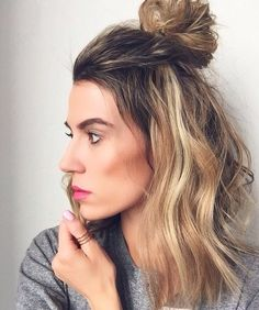 Messy half up bun | Hello Fashion Blog