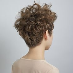 Short Hairstyles for Women with Curly Hair Short Curly Haircuts, Short Hairstyles For Women, Short Hair Cuts, Short Curly Pixie, Hairstyle Short, Curly Hair Tips, Wavy Hair, Curly Hair Styles, Tomboy Hairstyles