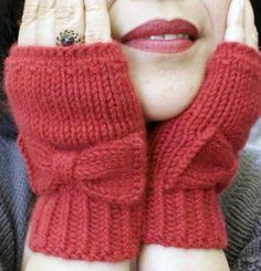 Ravelry: Audrey Gloves pattern by Nancy Ricci Vogue Knitting, Loom Knitting, Knitting Patterns, Knitted Mittens Pattern, Knit Mittens, Fingerless Gloves Knitted, Crochet Fingerless Gloves Free Pattern, Hand Embroidery Patterns, Knitting For Beginners