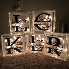 DIY Decorative Glass Blocks Step by step, how to make decorative lighted glass blocks Decorative Glass Blocks, Lighted Glass Blocks, Christmas Glass Blocks, Painted Glass Blocks, Vinyl Crafts, Vinyl Projects, Diy And Crafts, Wood Crafts, Fun Projects