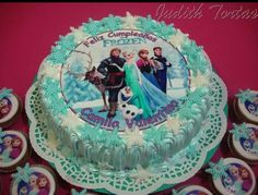 "Torta decorada con merengue ""Frozen"""