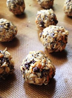 These yummy, no-bake energy bites are packed with complex carbohydrates, fiber, protein and healthy omega 3 fatty acids.