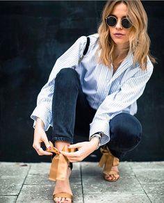 Sade ve cool. Seviyoruz.  Urunler için link instagram profilimizde, bio'dahttps://buyin.social/brandstore/ : @whichclothestoday #inspiration #fashionblogger #streetstyle #ootd