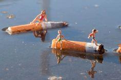 L'artiste Slinkachu et de son street art miniature, qu'il sème dans les rues avec son The Little People Project.