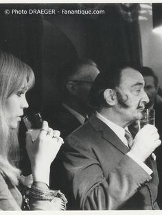 SALVADOR DALI....1968......WITH AMANDA LEAR.....PHOTO BY DRAEGER.......BING IMAGES....