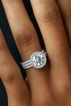 Idée et inspiration Bague De Fiançailles : Image Description 30 Wedding Ring Sets That Make The Perfect Pair ❤️ wedding ring sets three pave bands white gold round diamond halo wedding jewelry fashion ringsvintage 744149538412290886 Beautiful Wedding Rings, Wedding Rings For Women, Bridal Rings, Diamond Wedding Rings, Solitaire Diamond, Solitaire Rings, Round Diamond Engagement Rings, Circle Wedding Rings, Elegant Wedding