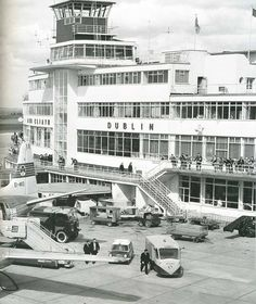 Dublin Airport, Dublin City, Old Pictures, Old Photos, Irish Fashion, Images Of Ireland, Ireland Homes, Photo Engraving, Art Deco Buildings