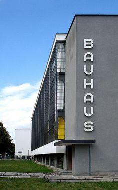Bauhaus Dessau (School for Art, Design and Architecture). August 2008 / Photo by Thorsten Steinhaus Architecture Art Design, School Architecture, Contemporary Architecture, Bauhaus Style, Bauhaus Design, Walter Gropius, Graphisches Design, Brutalist, Beautiful Buildings