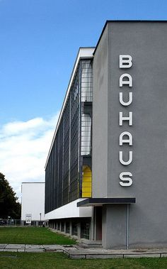 Bauhaus Dessau (School for Art, Design and Architecture). August 2008 / Photo by Thorsten Steinhaus