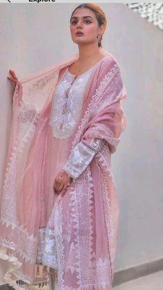 Beautiful Dress Designs, Stylish Dress Designs, Designs For Dresses, Beautiful Dresses, Nice Dresses, Simple Pakistani Dresses, Pakistani Dress Design, Indian Bridal Outfits, Pakistani Wedding Dresses