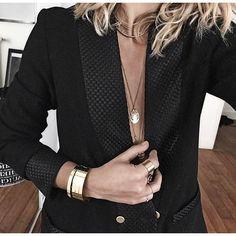 THE veste en laine @modetrotter ✨ • Jacket #modetrotter (from @modetrotter) • Jewels #lestrouvaillesdelsa #audreylbd #pascalemonvoisin ...