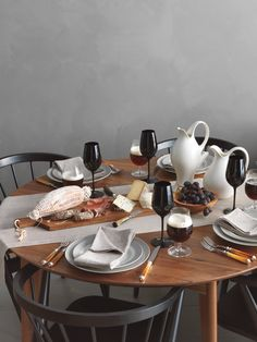 Chic Tablescape from Martha Stewart