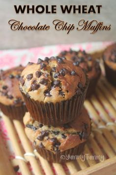 Whole Wheat Chocolate Chip Muffins Recipe - Christmas Recipes Super delicious and moist chocolate chip muffins which taste so delicious. You can enjoy this for b Moist Chocolate Chip Muffins, Chocolate Chip Cupcakes, Chocolate Chocolate, Chocolate Brownies, Muffin Recipes, Cupcake Recipes, Dessert Recipes, Desserts, Whole Wheat Muffins