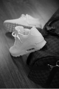 www.kolekcjonerkabutow.pl  #elikshoe #ewelina_bednarz #kolekcjonerka_butow #fashion #photoshoot #shooting #model #girl #shoes #blond #spring #fashion #fashion_show #heels #obcasy #buty #blog  #nogi #legs #fashion_show  #sexy #celebrity #instashoes #instaboots  #footwear #moda #nike #adidas #run #running #bieganie #runner #sport #slim #body #sporty #stylish #sportswoman