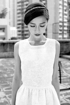 white dress x sparkly hairband :: Angelababy