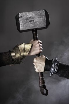 Wrist armor and bracelet www.pandurohobby.com #diy #thibra #thermoplastic #paint #polystyrene #hammer