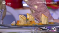 """""""Detto Fatto"""": la ricetta delle crespelle con crema di zucca e topinambur di Tommaso Arrigoni del 28 novembre 2017."""