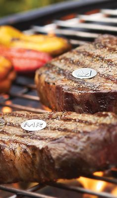 With our Steak Grill Charms, you'll end the confusion about whose steak is whose when grilling or serving cuts of meat. This set of six charms bears a variety of markings to differentiate how cooked each steak should be: R for rare, M for medium, W for well-done, plus the in-between steps.