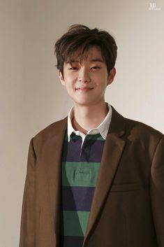 Korean Male Actors, Korean Celebrities, Asian Actors, Train To Busan Movie, Park Bo Gum Wallpaper, F4 Boys Over Flowers, My Bebe, Kdrama Actors, Cute Faces