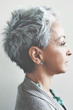 Best of how to style your short hair new hairstyles styles 2019 Short Grey Hair Hair Hairstyles Short Style Styles Super Short Hair, Short Grey Hair, Short Hair Cuts, Pixie Cuts, Silver Grey Hair, Light Hair, Great Hair, Pixies, Hair Dos