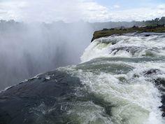Devil's Pool (Piscina do Diabo), Victoria Falls, Zimbabué.