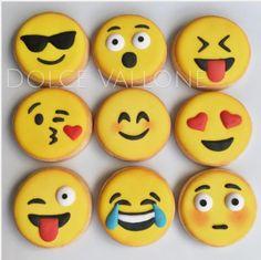 "Dolce Vallone |Daniela Vallone on Instagram: ""Exprésate con tu emoji preferido! #emojicookies #expresate #galletasdecoradas #dolcevallone #emoticones"" • Instagram"