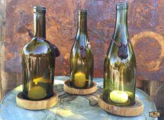 wine bottle candle holder design results - ImageSearch Wine Bottle Candle Holder, Wine Bottle Art, Candle Holders, Empty Wine Bottles, Diy Décoration, Easy Diy, Diy Crafts, Wine Parties, Wood Design