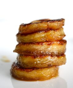 """Fried"" Honey Banana from Rachel Schultz  Instructions 1. Lightly drizzle olive oil in a skillet over medium heat.  2. Arrange banana slices in pan and cook for 1-2 minutes on each side.   3. Meanwhile, whisk together honey and 1 tablespoon of water.  4. Remove pan from heat and pour honey mixture over banana.  5. Allow to cool and sprinkle with cinnamon."