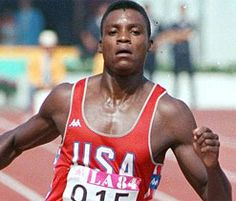 Carl Lewis corrent a Los Angeles al 1984.