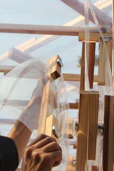 kengo kuma hojoan Using beams made from Japanese cedar, strips of ETFE plastic, and interlocking magnets