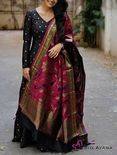 Ericdress supplies latest styles wedding dresses & party occasion dresses for women. Buy quality fashion clothing for kids in our online store with big discounts. Indian Gowns Dresses, Indian Fashion Dresses, Dress Indian Style, Indian Outfits, Maxi Dresses, Party Wear Long Gowns, Party Gowns, Long Dress Design, Kurta Designs Women