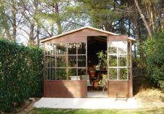 11 astuces pour s parer sans cloisonner maison pour plus - Cabane de jardin sans dalle aixen provence ...